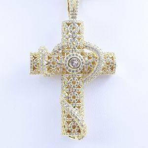 "Jewelry - Religious Cross + 18"" Cuban Chain"